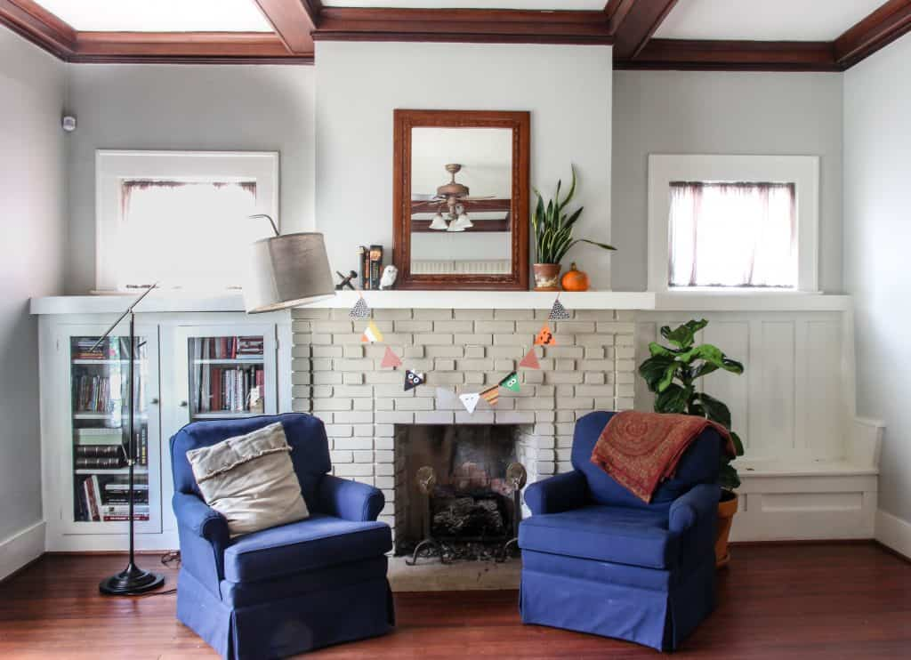 Simple Fall Mantle Decoration