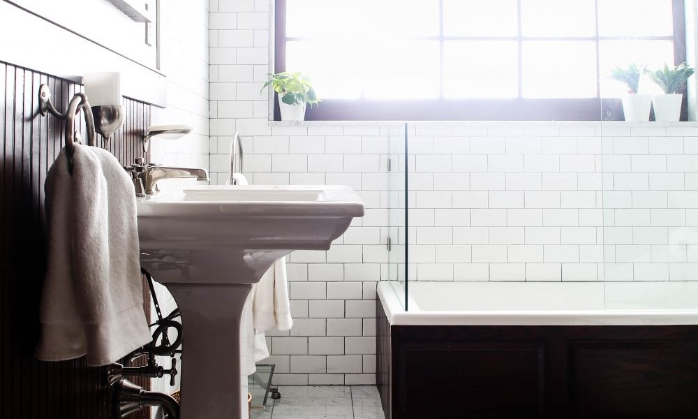 Tips for Renovating a Bathroom on a Budget
