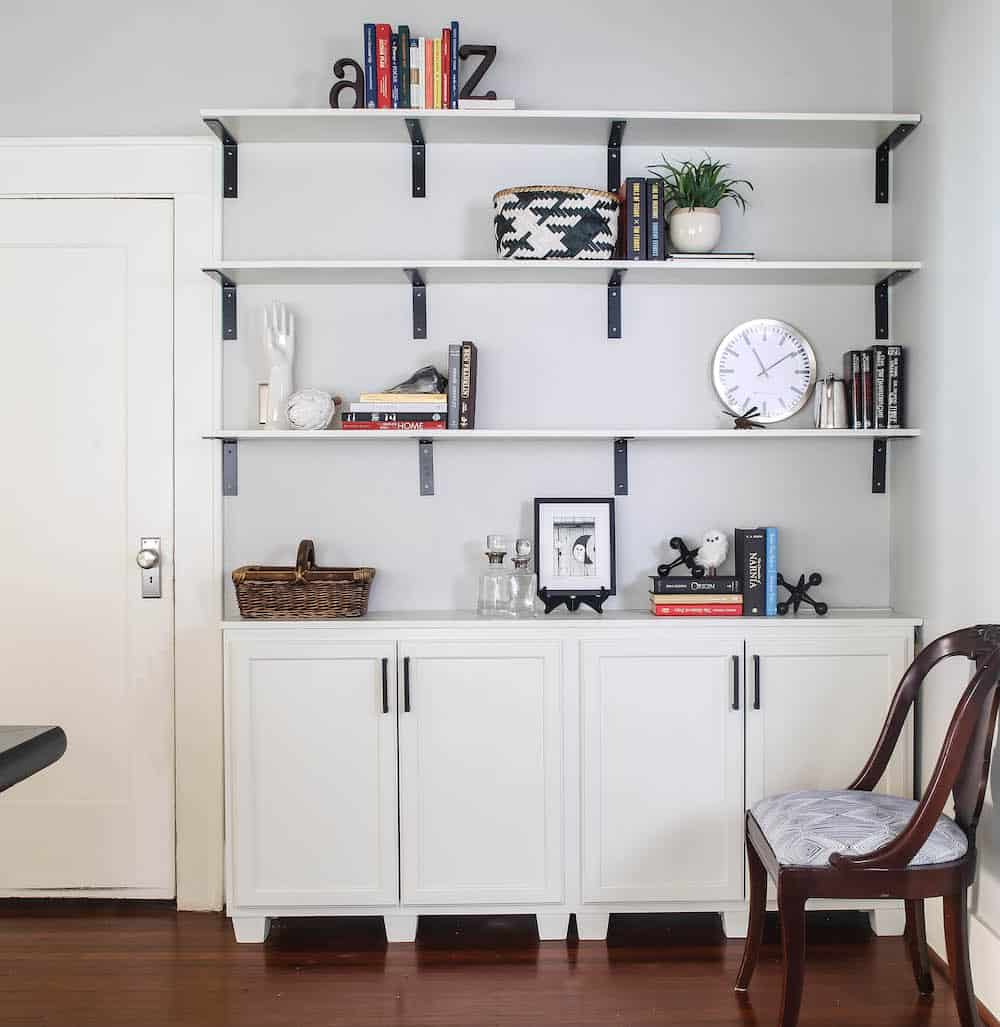 diy built in bookshelves