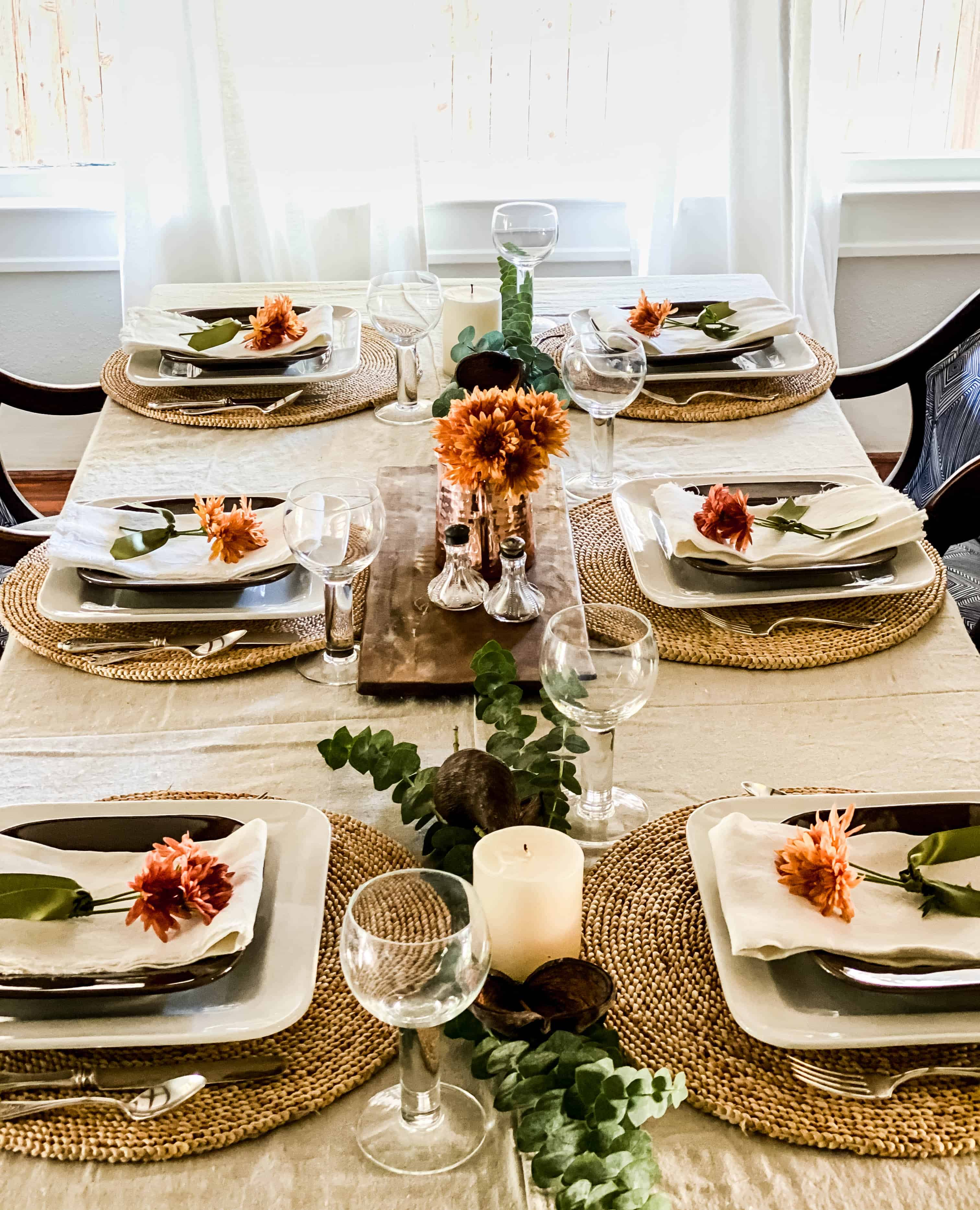Thanksgiving table linens