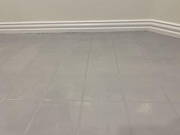 apply sealant to tile floors