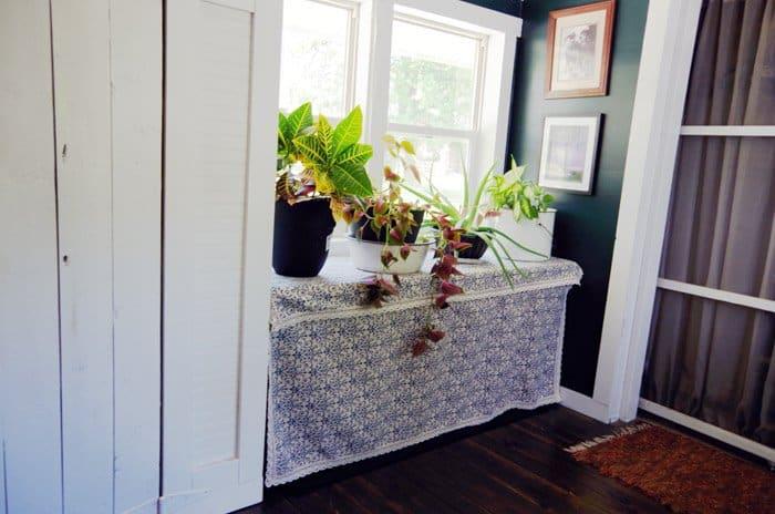 creating hidden storage in you entryway