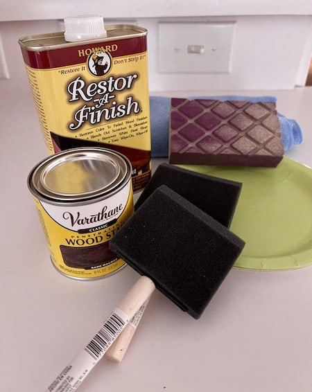 Supplies used to refinish table