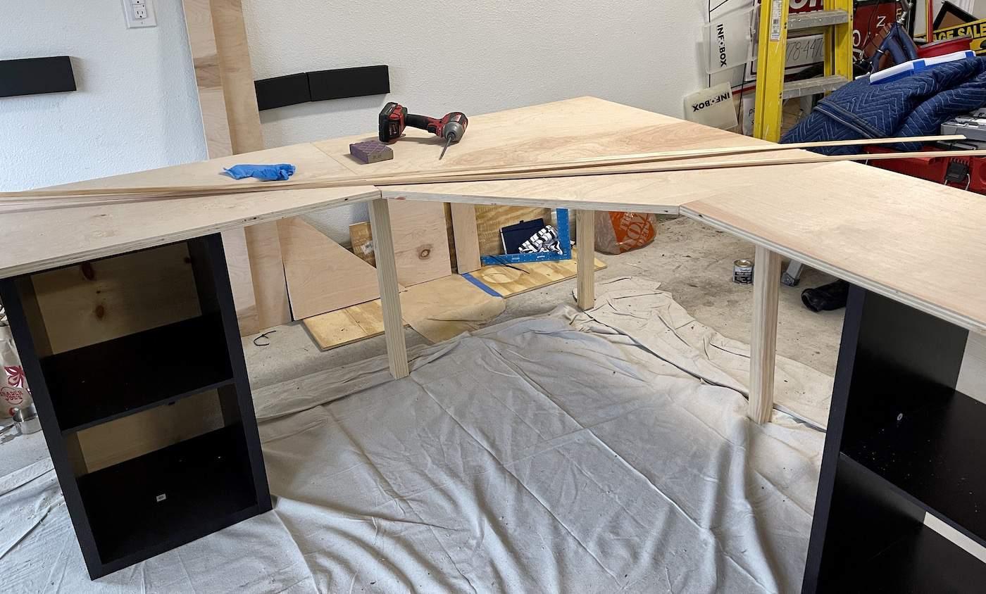 corner desk construction